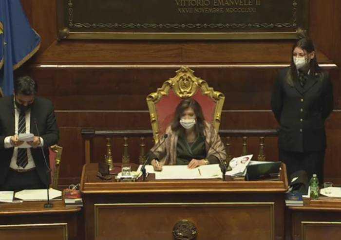 Conte è salvo, in Senato passa la fiducia al governo: 156 i favorevoli