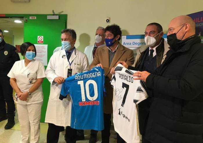 Azienda ospedaliera Modena, la vicinanza ai bimbi dei campioni Serie A