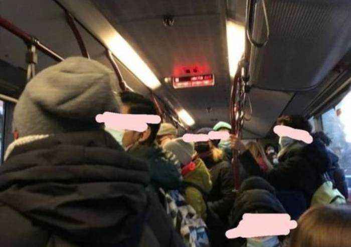 Bus affollati a Modena? Seta nega: 'Nessuna situazione oltre i limiti'