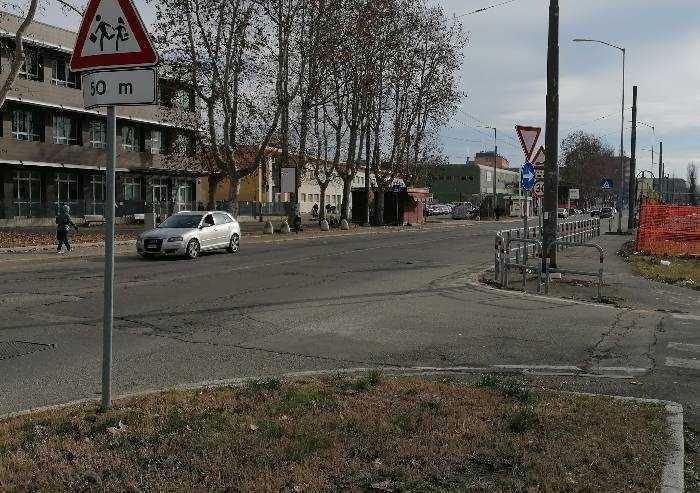 Modena, spacciatore arrestato davanti alla scuola media