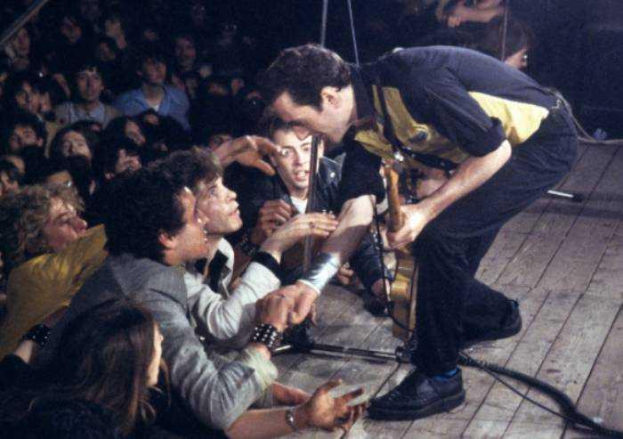 40 anni fa il concerto dei Clash a Bologna, la città che sapeva osare
