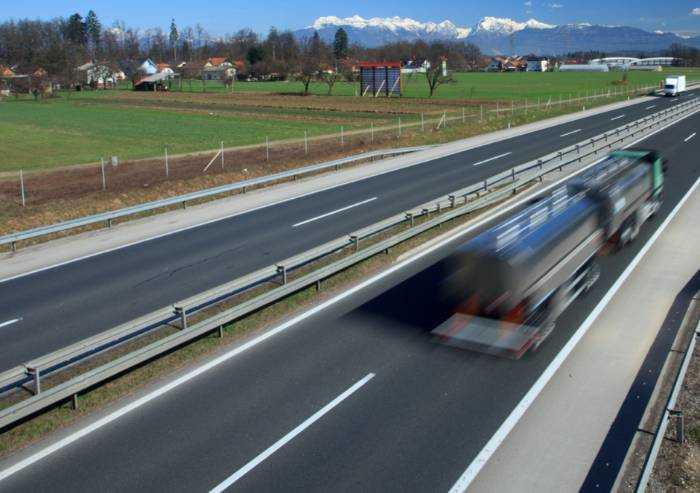 Autotrasporto, sospesi i divieti di circolazione per tutto febbraio