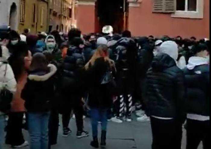 Modena, il centro è invivibile: ormai è in mano a bande di ragazzini