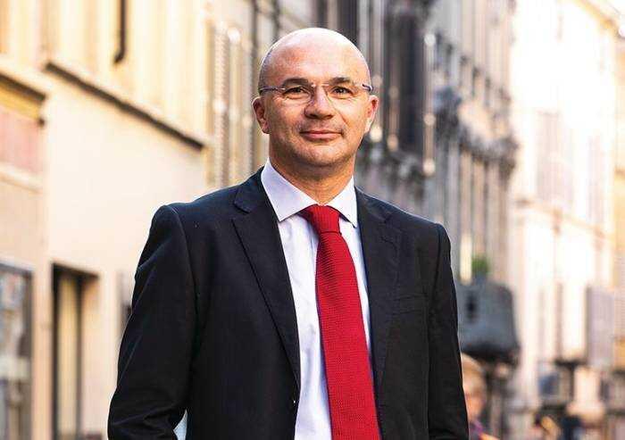 Inchiesta appalti a Reggio Emilia, il sindaco Vecchi è indagato
