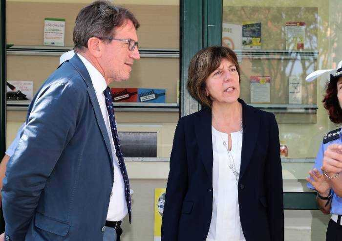 'Modena privatizza scuole e assume altri vigili: Muzzarelli si fermi'