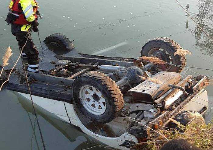 Nel canale con l'auto, 72enne muore affogato