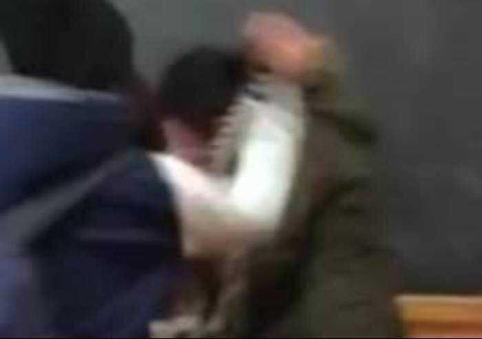 Tentato scippo in via Buozzi, aggressore messo in fuga