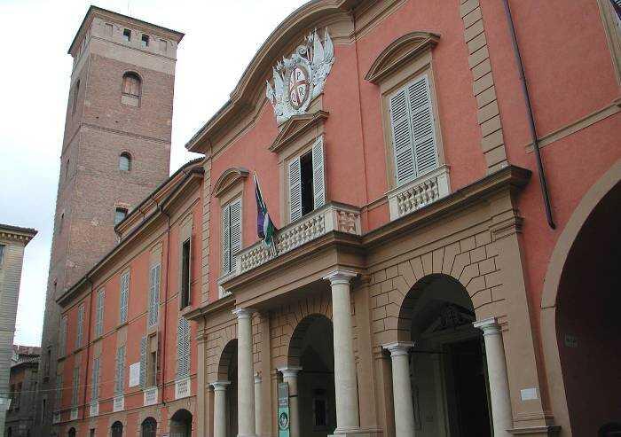Reggio, appalti in Comune: chiesto processo per 24 indagati