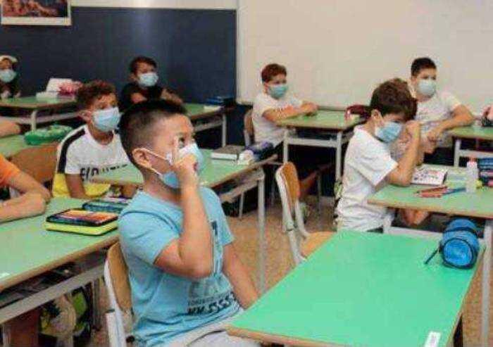Riaprono le scuole: l'Emilia Romagna annuncia tamponi a campione