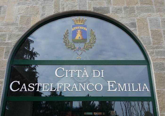 Follia di genere: a Castelfranco il Comune stravolge vocabolario