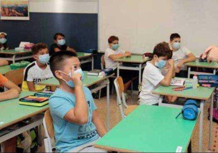 'Quarantene per un solo alunno positivo: la scuola riparte per finta'