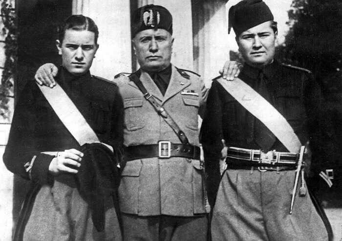 San Cesario, dopo 97 anni il Comune revoca la cittadinanza a Mussolini