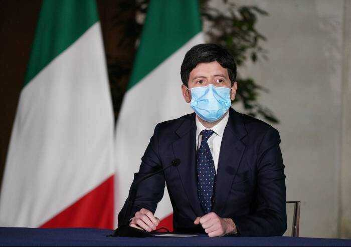 Senato, Lega e Forza Italia salvano il ministro Speranza