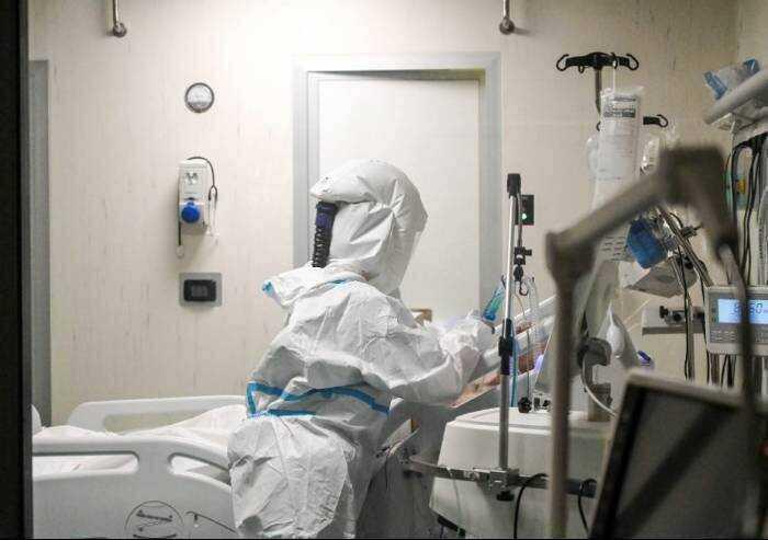 Covid, 641 contagi in Emilia Romagna e 10 decessi