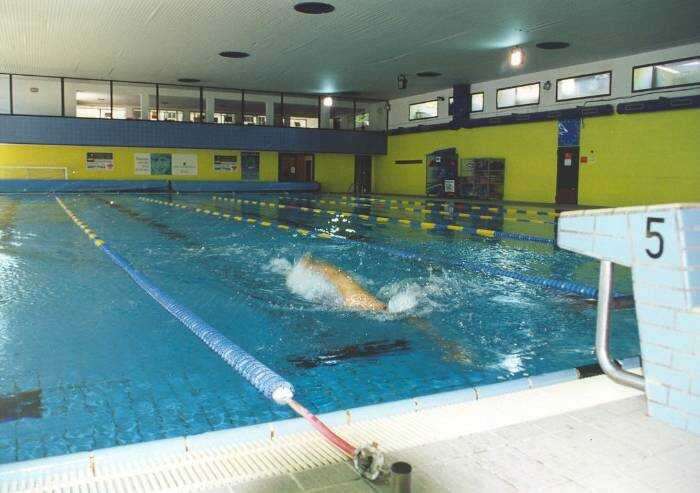 La lista Bonaccini: 'Ora riapriamo le piscine al chiuso'