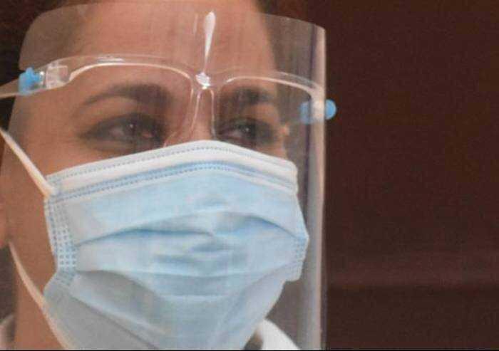 Covid, 561 contagi in Emilia Romagna e 17 morti