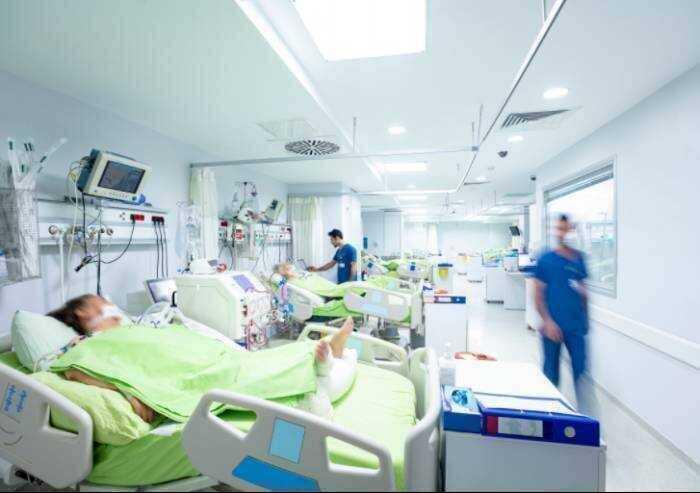 Covid, 824 contagi in Emilia Romagna e 19 morti