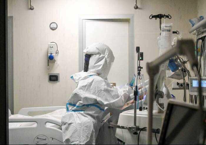 Covid, 113 contagi a Modena e 3 morti