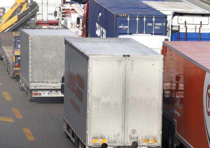 Logistica, rinnovato contratto nazionale: aumento di 104 euro