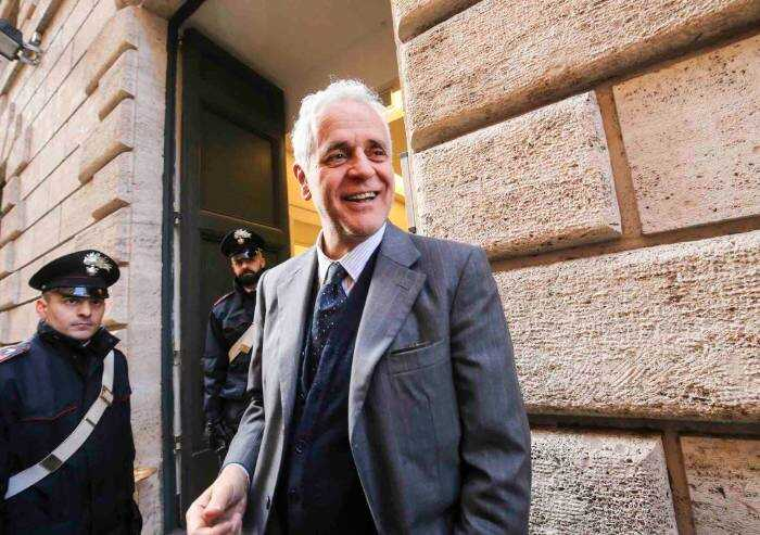 Vitalizi, dal Senato sì alla pensione per Formigoni