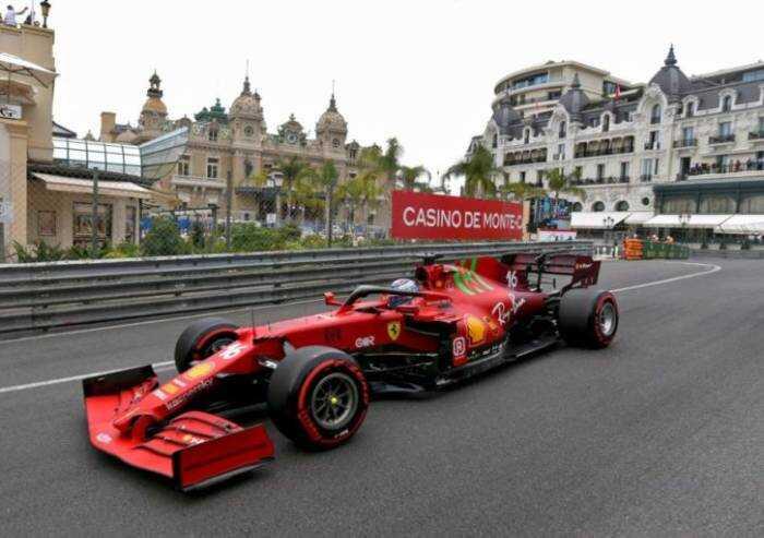 Doccia gelata Ferrari: Leclerc passa dalla pole all'addio alla gara