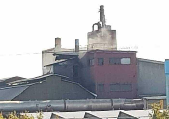 Polveri da rifiuti nell'aria del quartiere, le fonderie dovranno chiudere 10 giorni