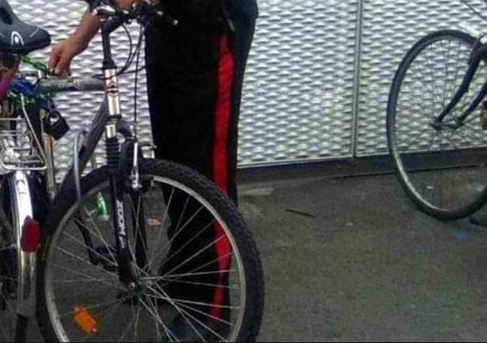Ferma tunisino sulla sua bici rubata, ma finisce a processo