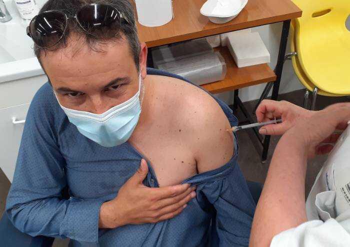 Carpi, si è vaccinato il sindaco Bellelli: 'E' toccato a me'