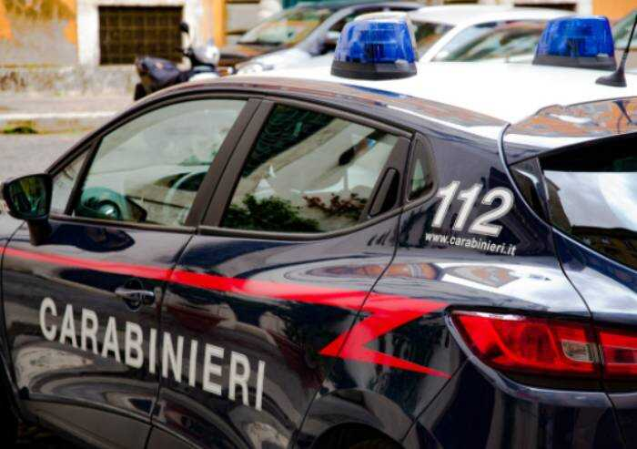 Ferrara, bimbo morto in casa, madre ferita con polsi tagliati