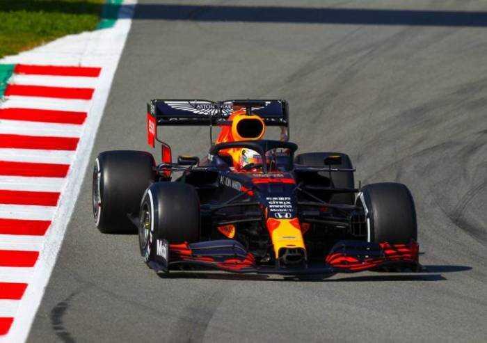 Formula Uno, anonimato Ferrari: partiranno quinta e settima