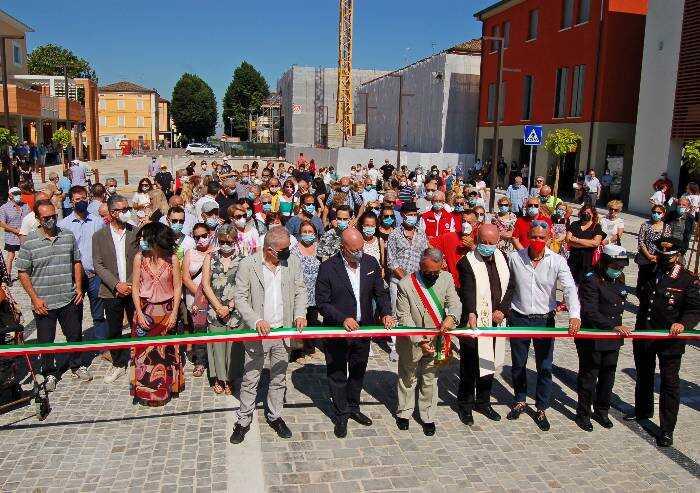 A 9 anni dal terremoto, Novi ritrova la sua piazza