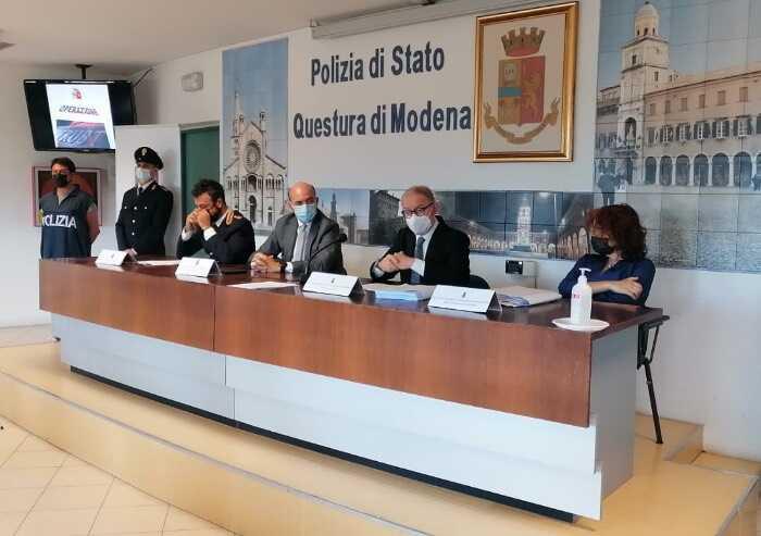 Bancarotta fraudolenta e riciclaggio: scoperta banda di professionisti modenesi