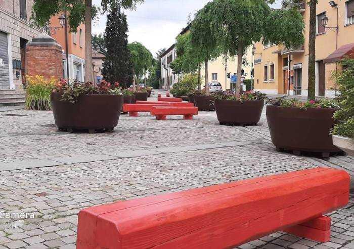 'San Cesario, inaccettabile spreco di denaro pubblico per arredo centro storico'