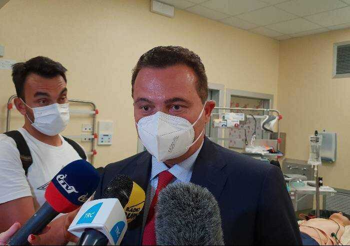 Scuola, Donini insiste: 'Nel caso di focolai valutare chi è vaccinato'