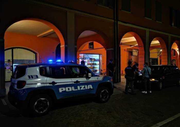 91 grammi di shaboo in casa: arrestati dalla Polizia di Stato tre citt