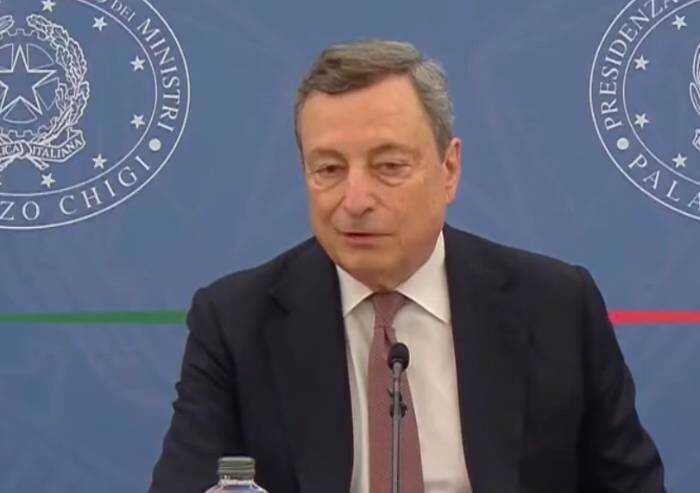 Ufficiale: obbligo green pass in Italia. Draghi: 'Il pass dà serenità'