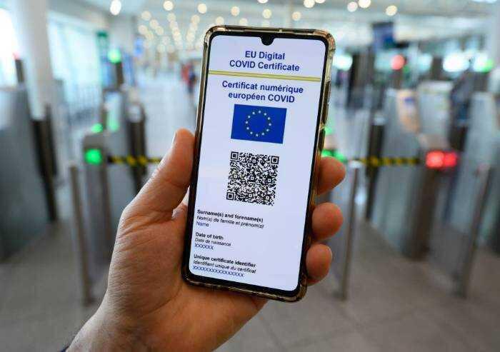 Green pass, sanzioni da 400 a 1000 euro in caso di violazione