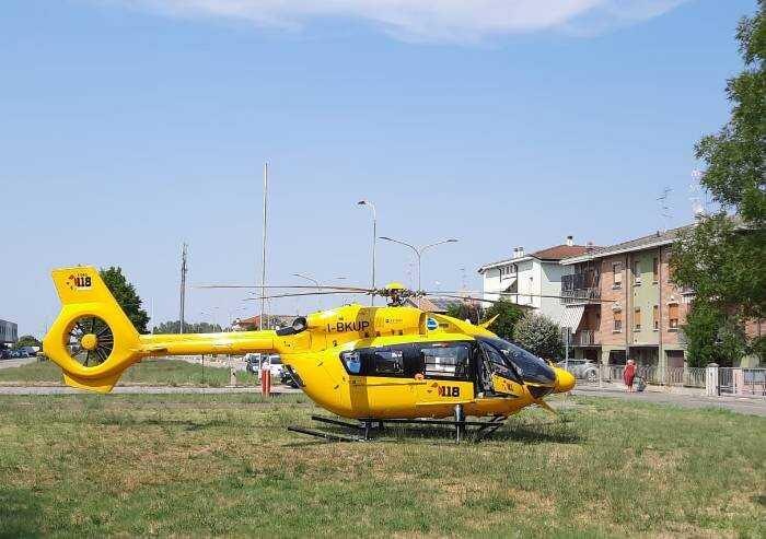 Mirandola, incidente in via Toti, ferite gravemente due ragazzine