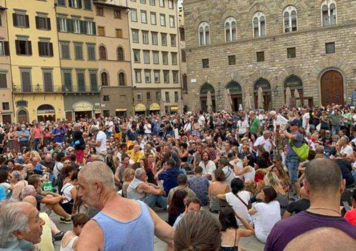 E il grido 'libertà' risuona in tutte le piazze italiane