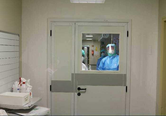 Covid, a Modena aumentano i ricoveri e riapre la Terapia intensiva