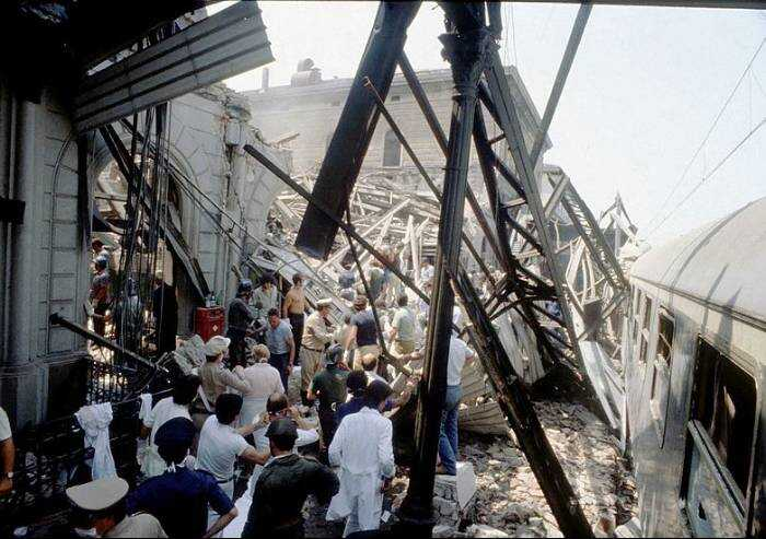 Bologna, 41 anni fa la strage della stazione. Mattarella: 'Ancora ombre'