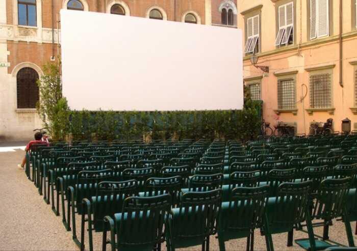 Modena, cinema all'aperto: in 7 senza green pass identificati