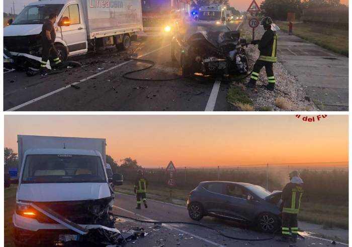 Ravarino: scontro all'alba tra auto e furgone, tre feriti