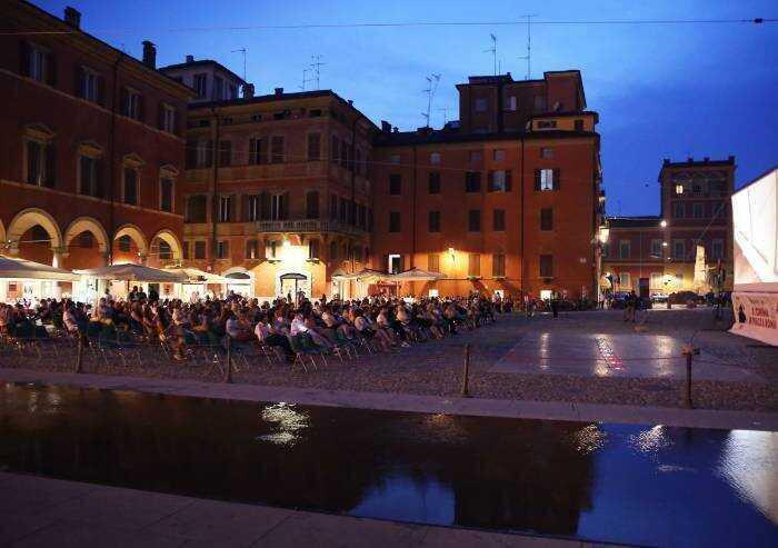 Modena, cinema all'aperto senza Green Pass: parlano i manifestanti