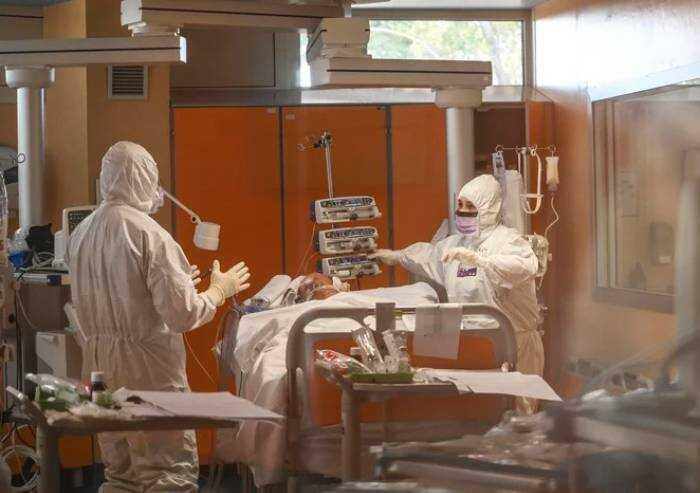 Oms: 'Vaccinazioni rallentano, si rischiano altri 236mila morti'