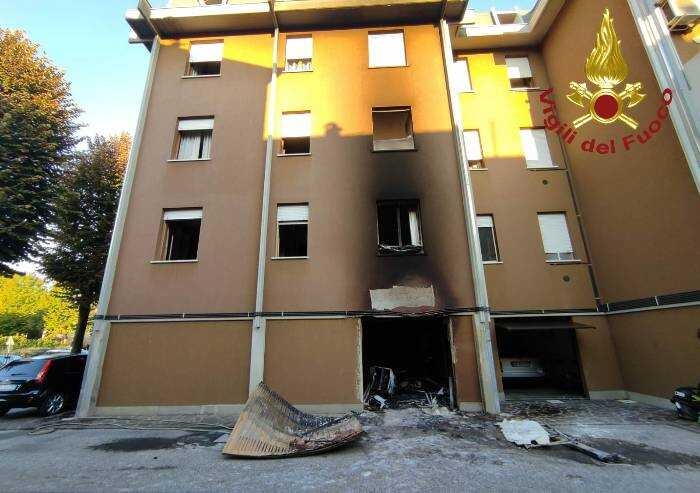 Mirandola: incendio nella notte, evacuata palazzina