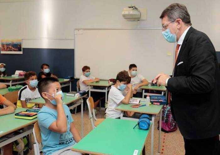 Vaccini e mascherine: a scuola il bimbo 'tipo' fragile sarà in mostra