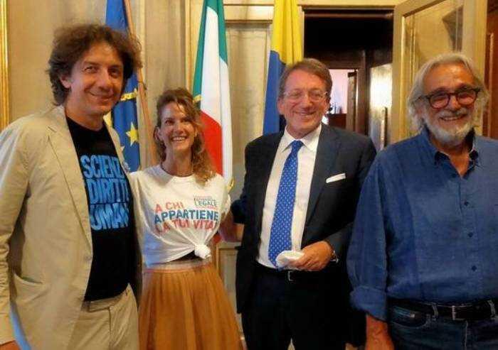'Eutanasia, Muzzarelli non pieghi istituzione alle sue idee politiche'