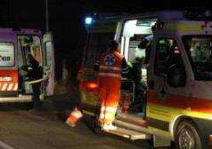 Tragedia a Fidenza, muore 47enne asfissiato nella cisterna del camion