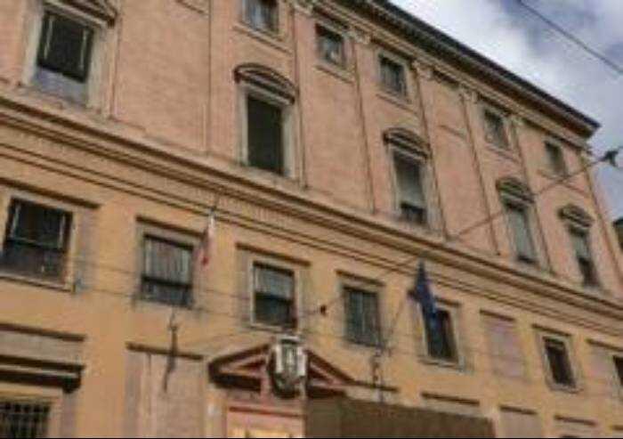 Irruzione senza mascherina in consiglio comunale: condannato a 7 mesi